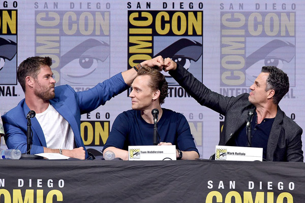 what happens at comic con chris hemsworth mark ruffalo